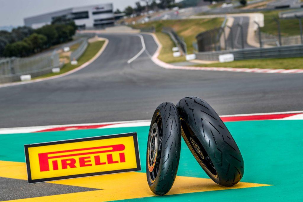 Éxito para el Pirelli DIABLO ROSSO CORSA II en los test comparativos de las principales revistas de moto europeas